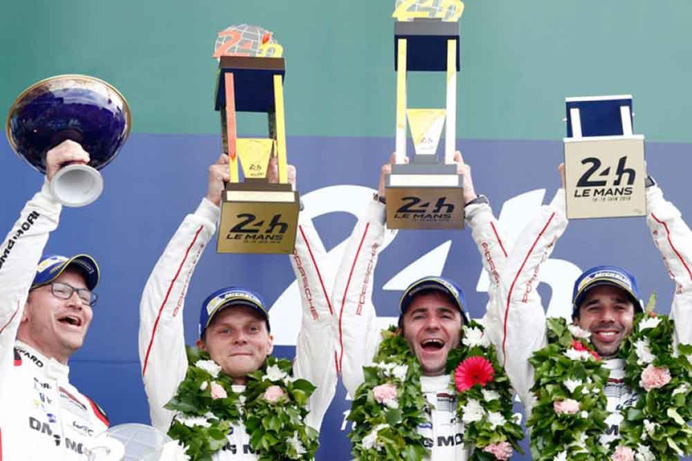 Equipo de Porsche Motorsport, ganador 24 horas de Le Mans