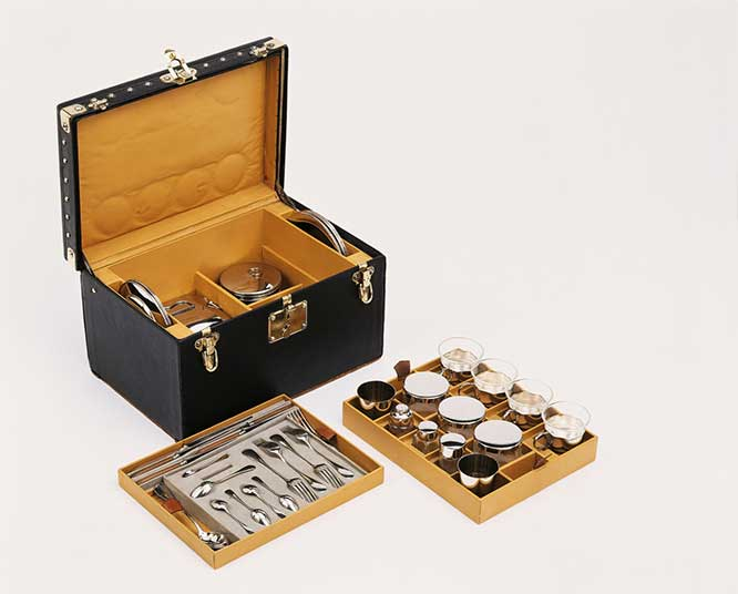 PICNIC-TRUNK-IN-VUITTONITE-CANVAS-LOUIS-VUITTON