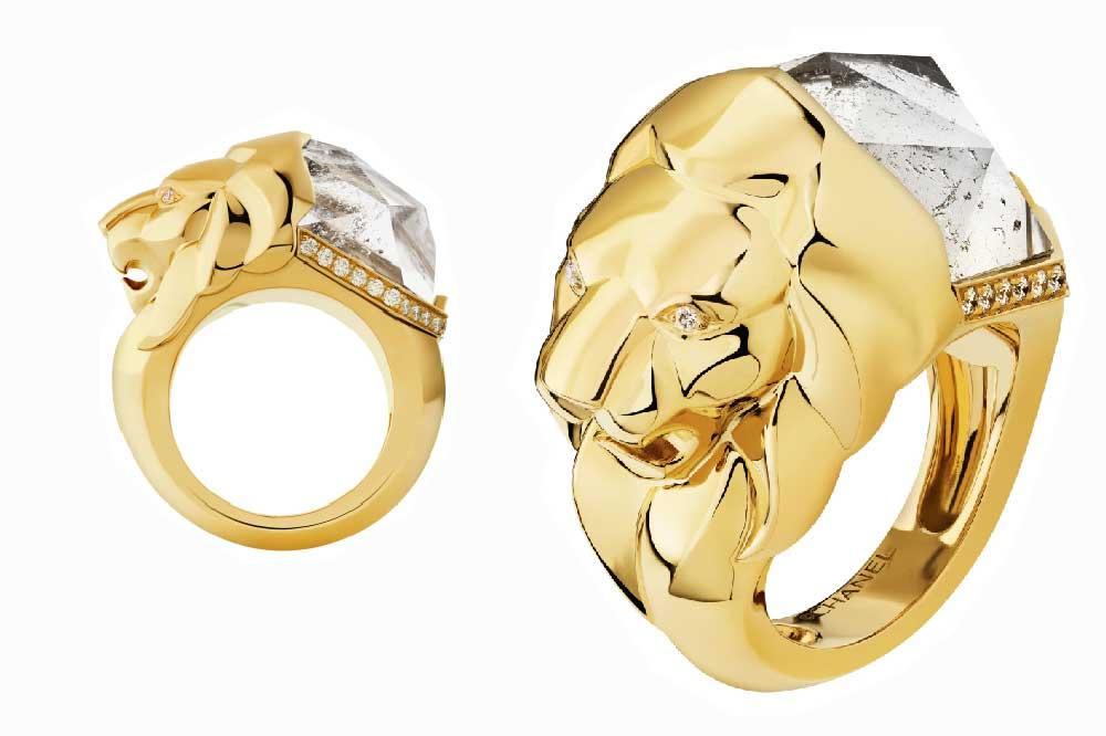 Chanel Colección Sous le Signe du Lion, Lion Sculptural oro amarillo