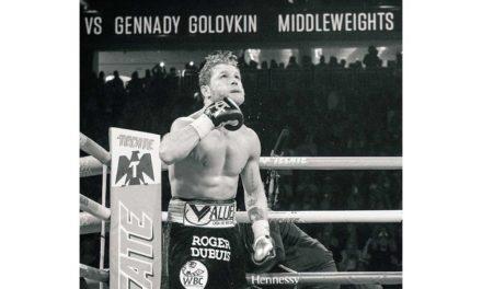 Roger Dubuis acompaño a Canelo en el ring.