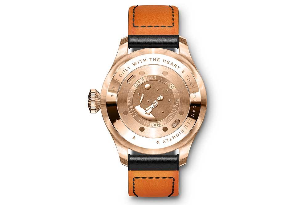 IWC Gran Reloj de Aviador Pieza Única, detalle grabado fondo