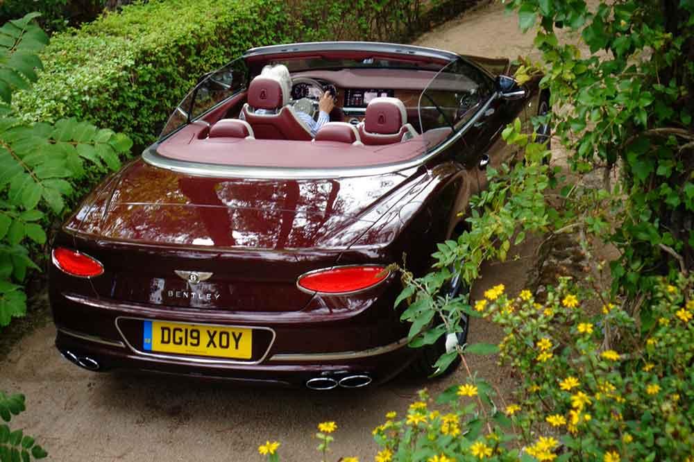 Bentley Continental GTC V8, vista trasera