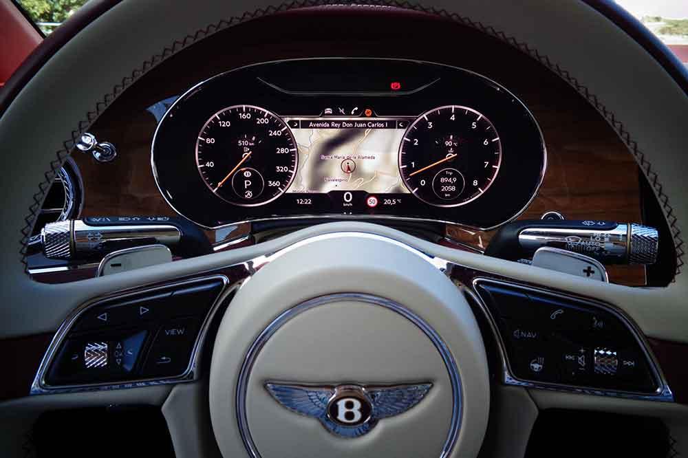 Bentley Continental GTC V8, detalle volante