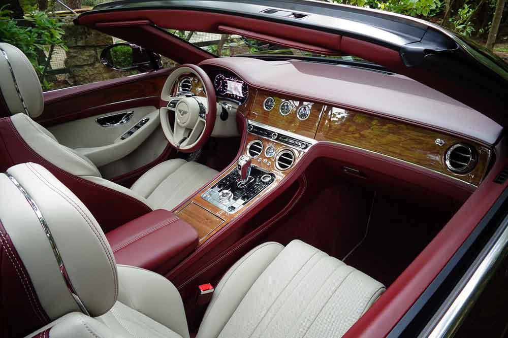 Bentley Continental GTC V8, detalle interior