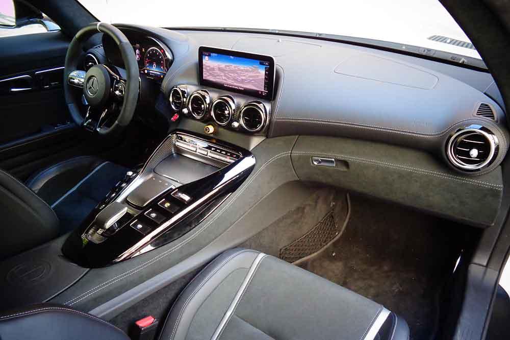 Mercedes AMG GT R, detalle interior