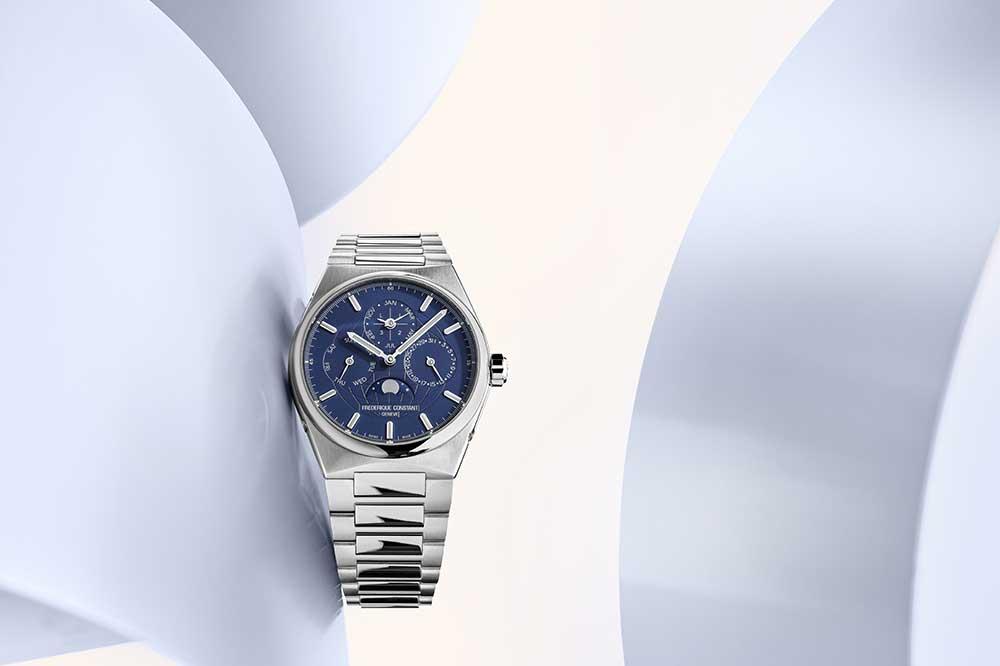 Frederique Constant Highlife Perpetual Calendar Manufacture en acero y esfera azul marino