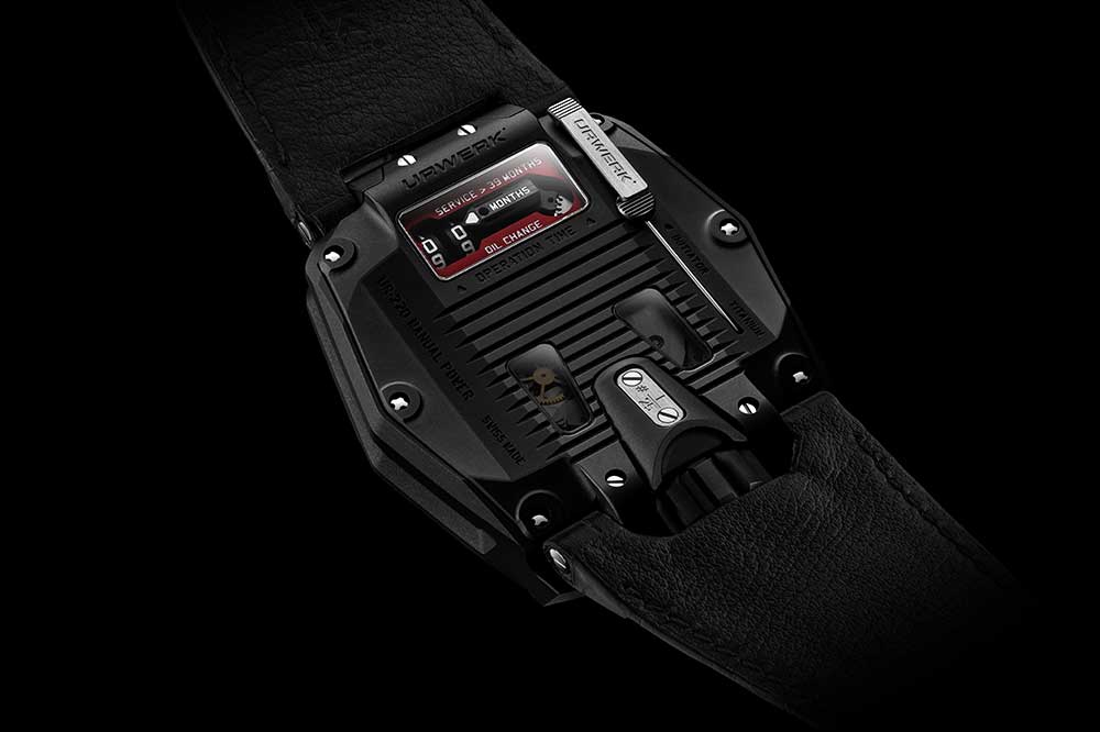 Urwerk UR-220 All Black, detalle fondo